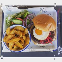 Salut Bar And Grill Salut Special Burger