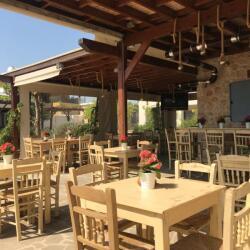 Mouseio Cafe Bar Resto In Liopetri
